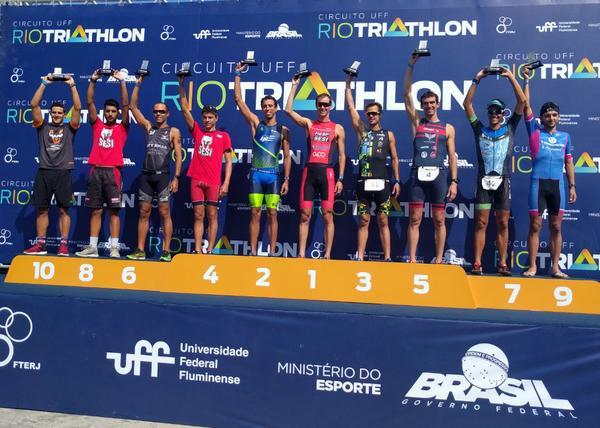 Pódio da elite masculina no Rio Triathlon / Divulgação