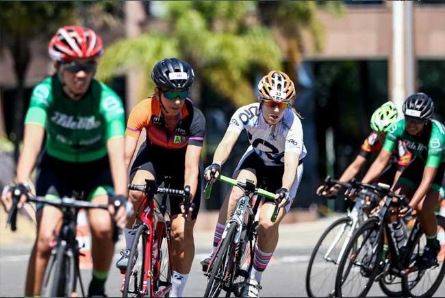 Atletas em ação na primeira etapa do Rio Ciclismo / Miriam Jeske