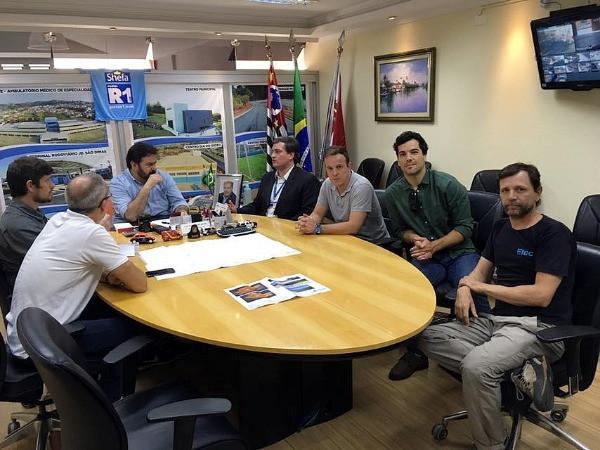 Reunião de assinatura de contrato / Divulgação CBC