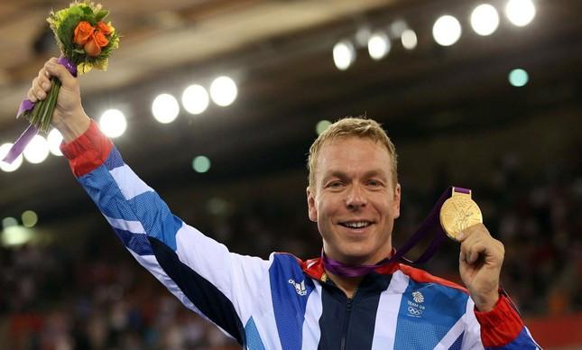 Hoy e sua medalha conquistada em Londres / Divulgação