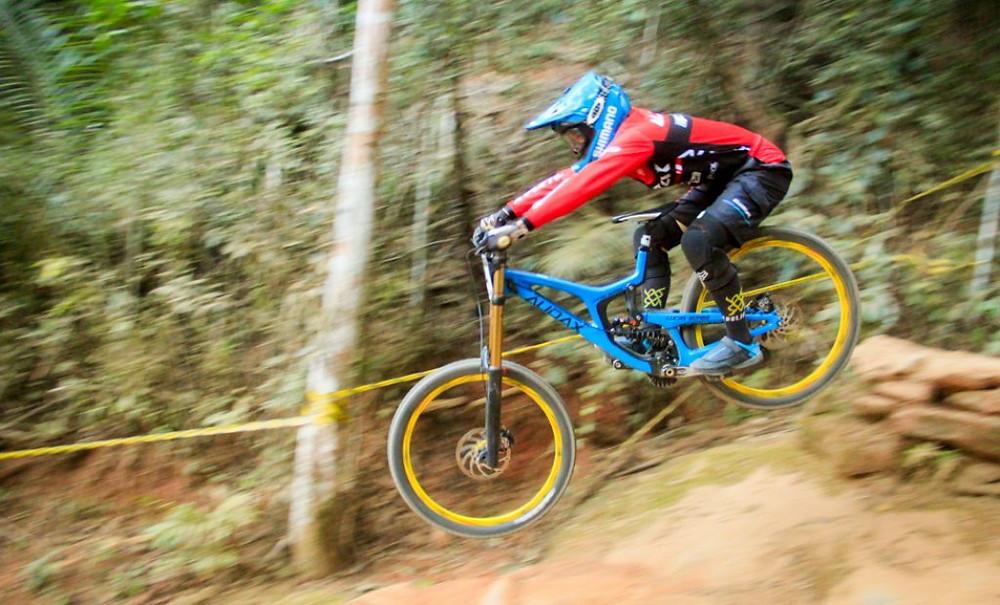 Downhill / Aguevara/Equipic