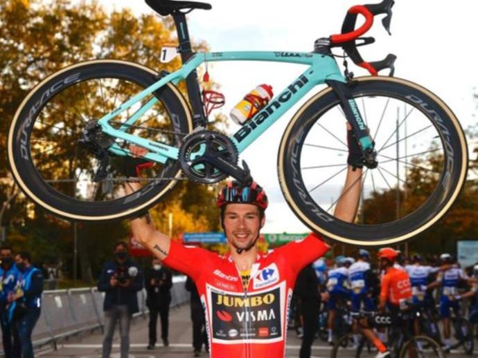 Bianchi e o Team Jumbo-Visma vão leiloar as bikes de Wout van Aert e de Primož Roglič