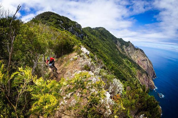 Andre Bretas em ação na Ilha de Madeira (Seb Schieck / Divulgação)