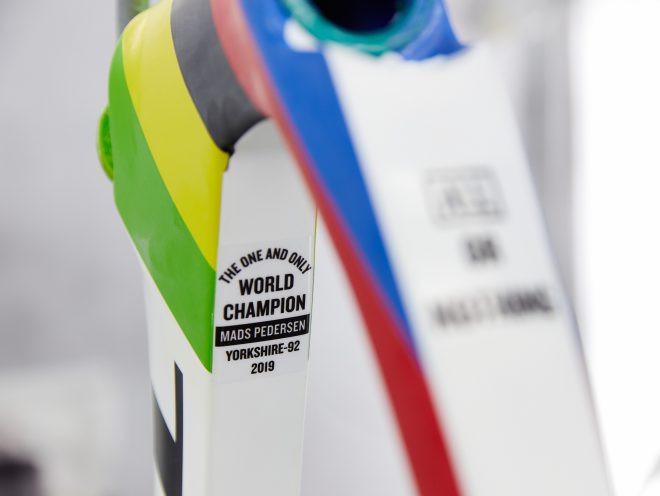 Conheça a Madone SLR Disc personalizada do Campeão do Mundo, Mads Pedersen
