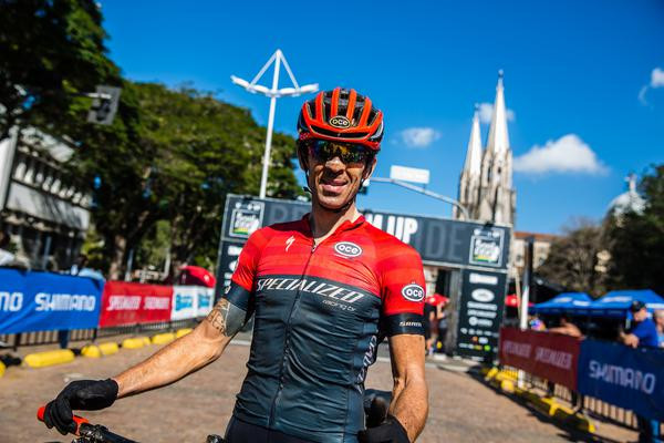 Hugo comemorou o terceiro lugar  (Wladimir Togumi / Brasil Ride)