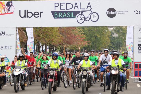 Largada da etapa Carioca / Márcio de Miranda - Planeta da Bike