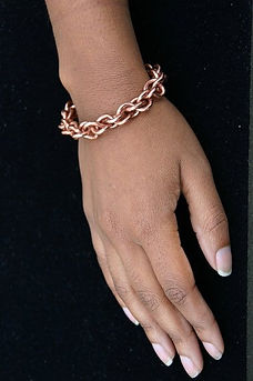Copper%20Love%20Knot%20Bracelet_edited.j
