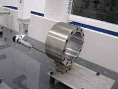 cnc_milling_of_heavy_duty_bearing_housin