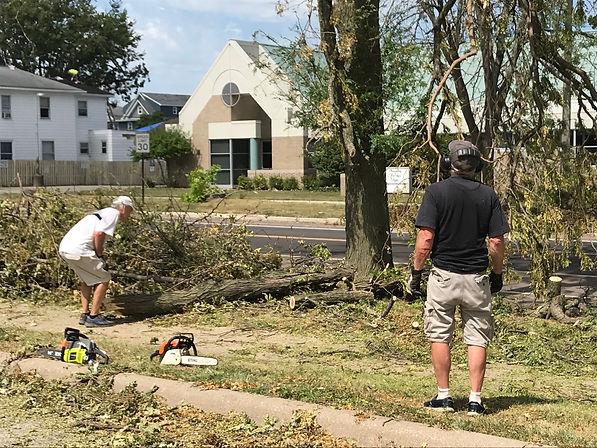 Ed Kosowski Eric Mueller Tree Cleanup.jp