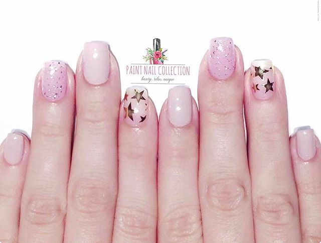 ✨簡單的星星點綴已經很好看✨_Starts on the Hand✨💅🏻 Follow us for more info__WeChat_paintnailcollection _Facebook