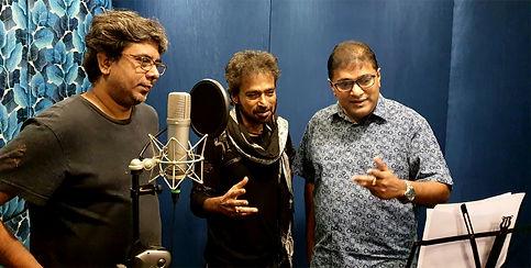 (L-R) Som Chakraborty, Singer Nachiketa