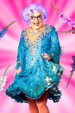 Dame Edna Impersonator / Look Alike