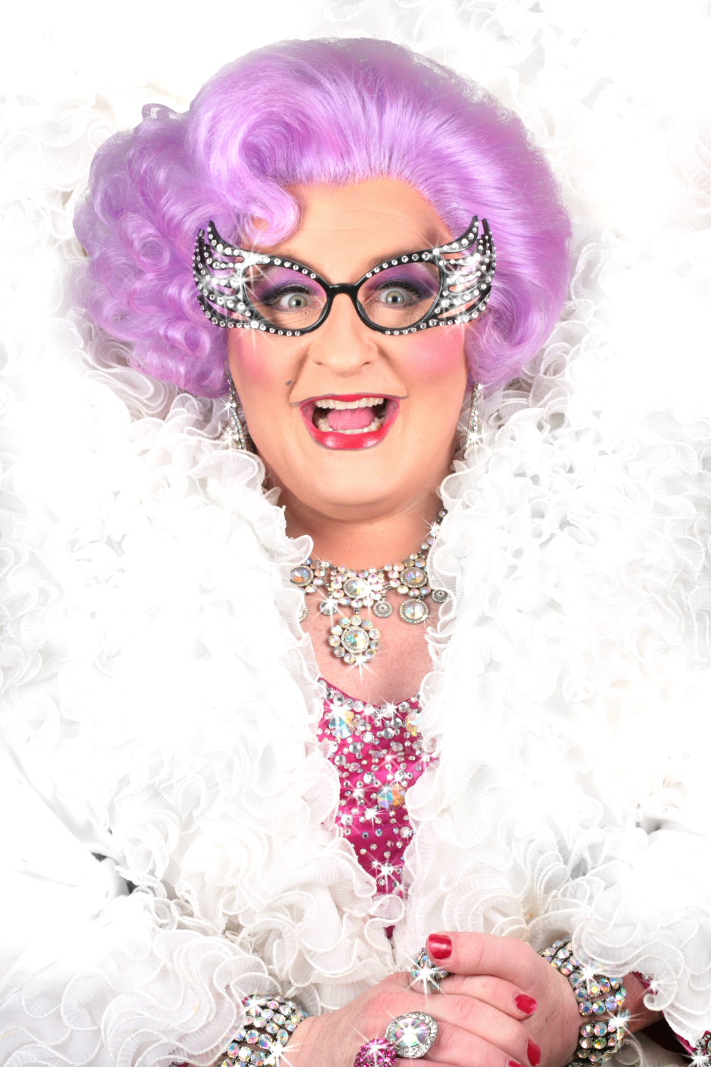 Dame Edna impersonator / look alike Michael Walters 2015-3-21-0:13:26