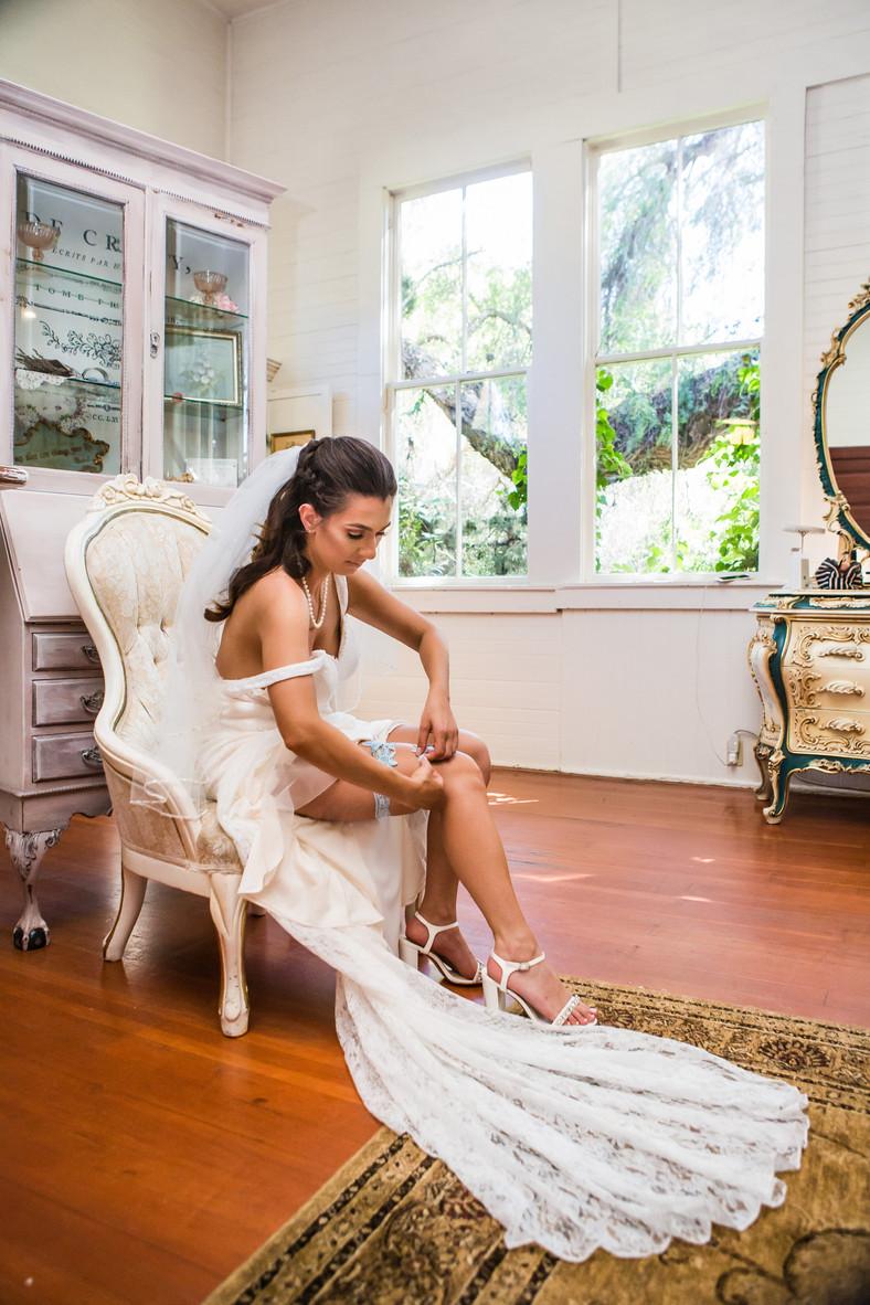 San Diego Wedding Photographer, Berlynn Photography, San Diego Wedding Photography, Bride getting ready at twin oaks