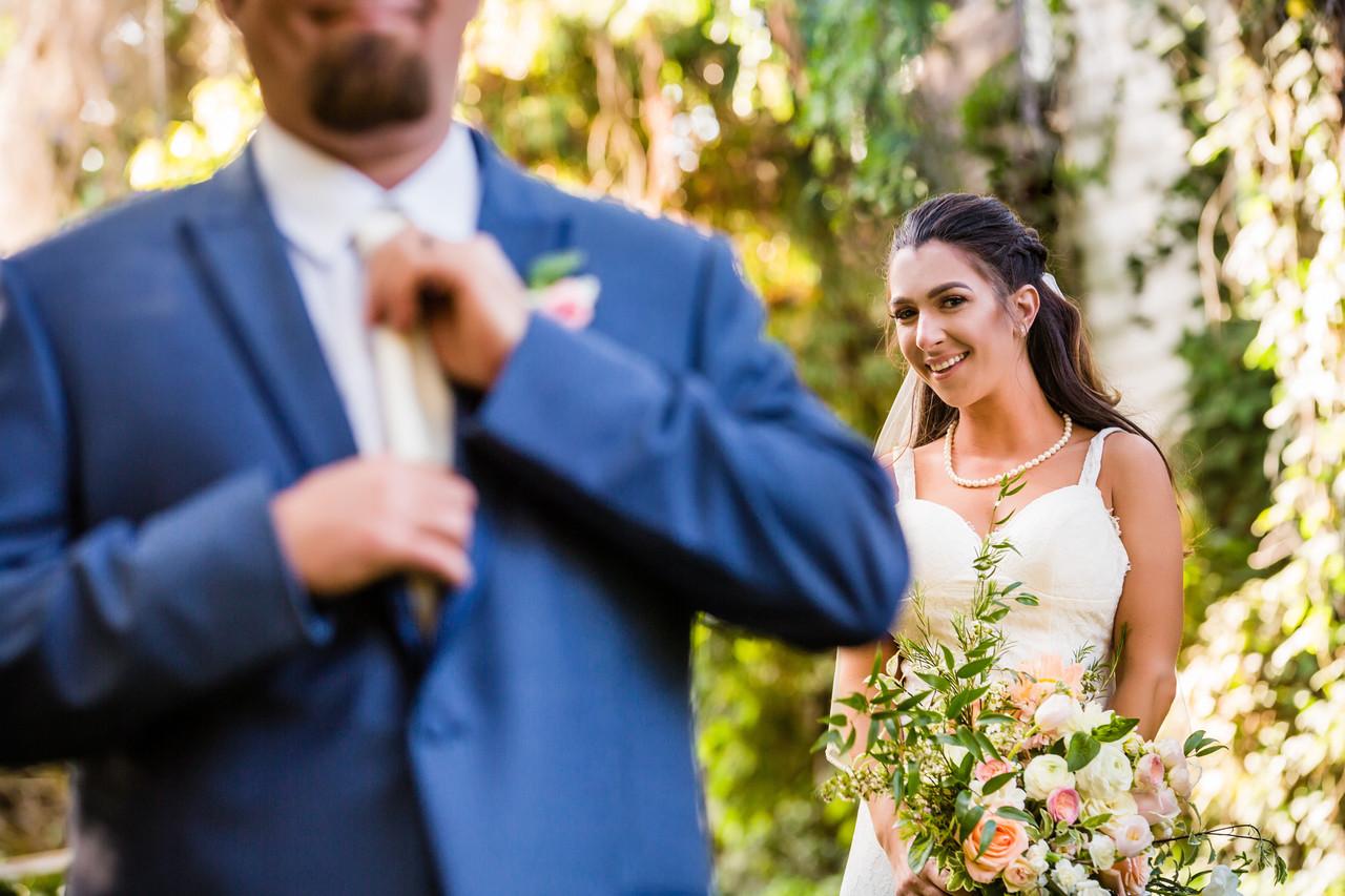 San Diego Photographer. Destination wedding, Berlynn Photography, San Diego Wedding Photography, bride and groom twin oaks
