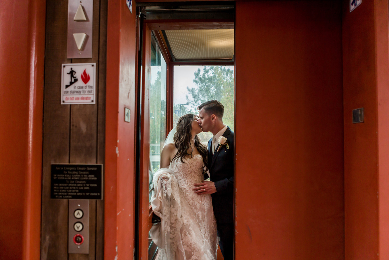 San Diego Wedding Photographer, Best of 2018 Wedding Photography, Berlynn Photography, San Diego Wedding Photography, bride and groom kiss in elevator