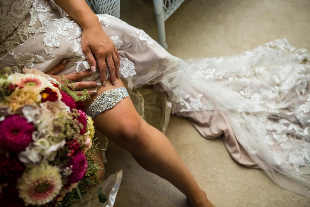 San Diego Wedding Photographer, Berlynn Photography, San Diego Wedding Photography, Bride with garter and flowers close up