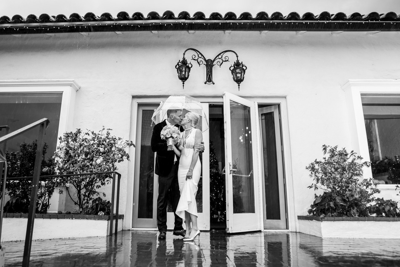 2018 Best of wedding photography, Berlynn Photography, San Diego Wedding Photography, Bride and Groom Umbrella Black and white portrait