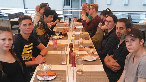 Lehrlingsausflug; gemeinsames Mittagessen