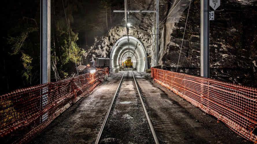 Mit Fertigteilringen ausgekleidete Tunnelröhre