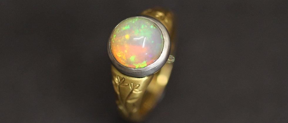 22ct Yellow Gold Ethiopian Opal Ring