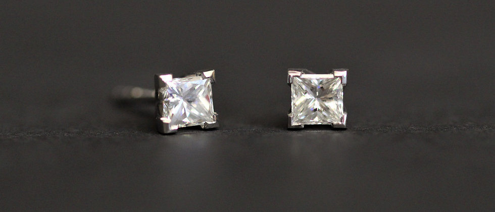 18ct White Gold Princess Cut Diamond Stud Earrings