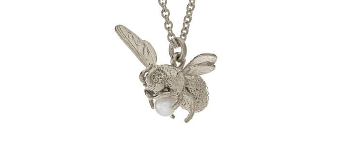 Flying Bee Pearl Necklace Silver