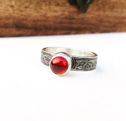The Serpent Ring - Garnet
