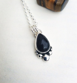Onyx Boulder Necklace