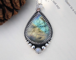 Like A Wave From The Ocean - Labradorite & Moonstone Necklace