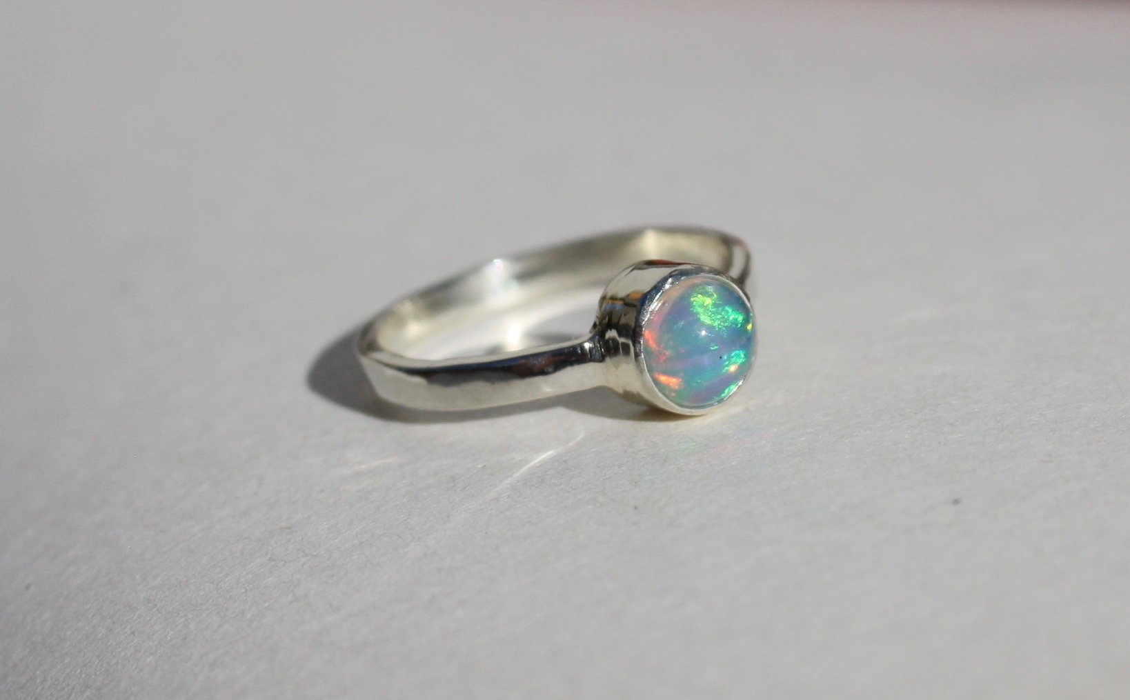 Opal - 9ct White Gold Ring