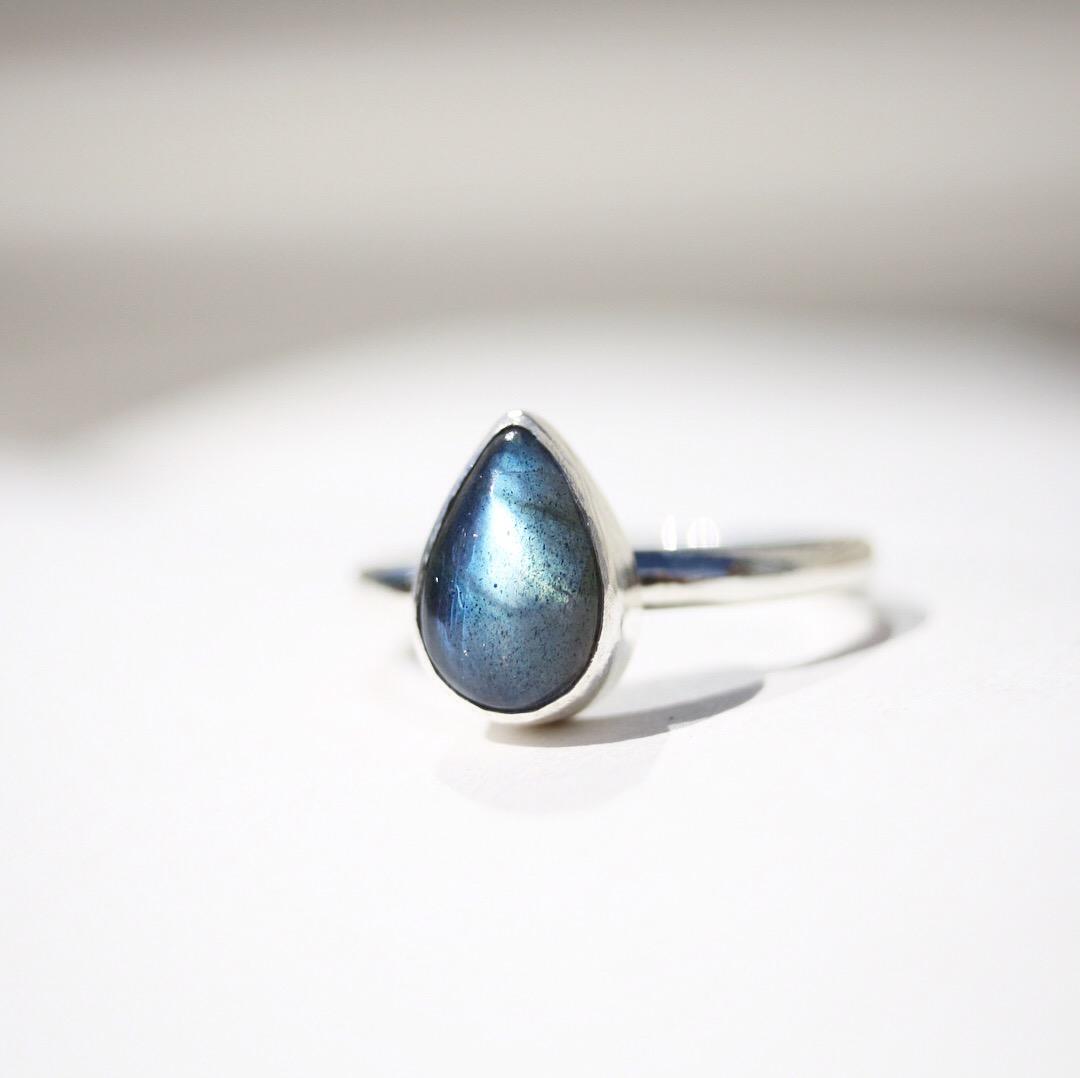 Drop In The Ocean - Labradorite Ring