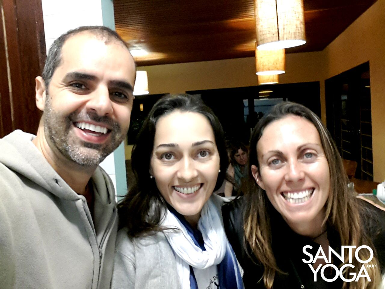 com Camila Taquari