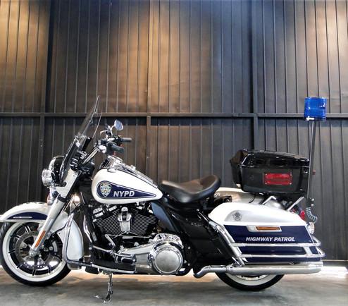 hd-road-king-police-km-1184-cod-b5g55-6.jpg