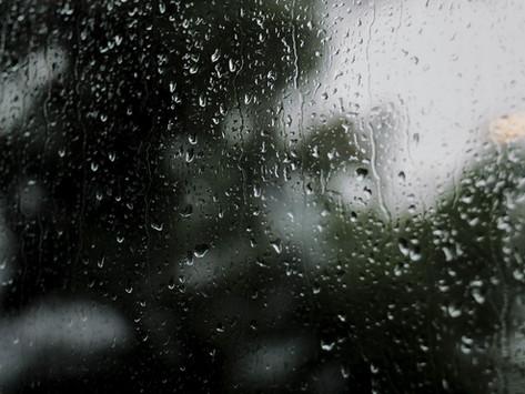 Mi történik, ha a kinti szertartást elmossa az eső?