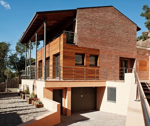 PROJECTE DE TRES HABITATGES UNIFAMILIARS LA FLORESTA-BARCELONA 2007