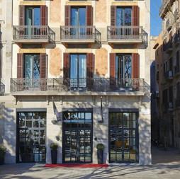 THE SERRAS. PROJECTE D'HOTEL DE 5* DE 27 HABITACIONS MANTENINT 2 FAÇANES EXISTENTS BARCELONA 2015
