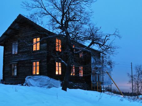 Lys i gamle hus på Breie