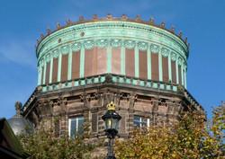Royal_Observatory_Edinburgh_East_Tower_2010_cropped