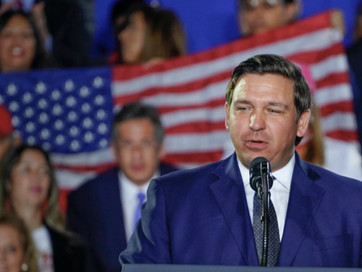 Ron DeSantis SLAMS Democrats for school closures