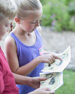 Kinder lesen Schatzkarte