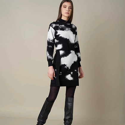 LB Black & White Print Sweater Dress