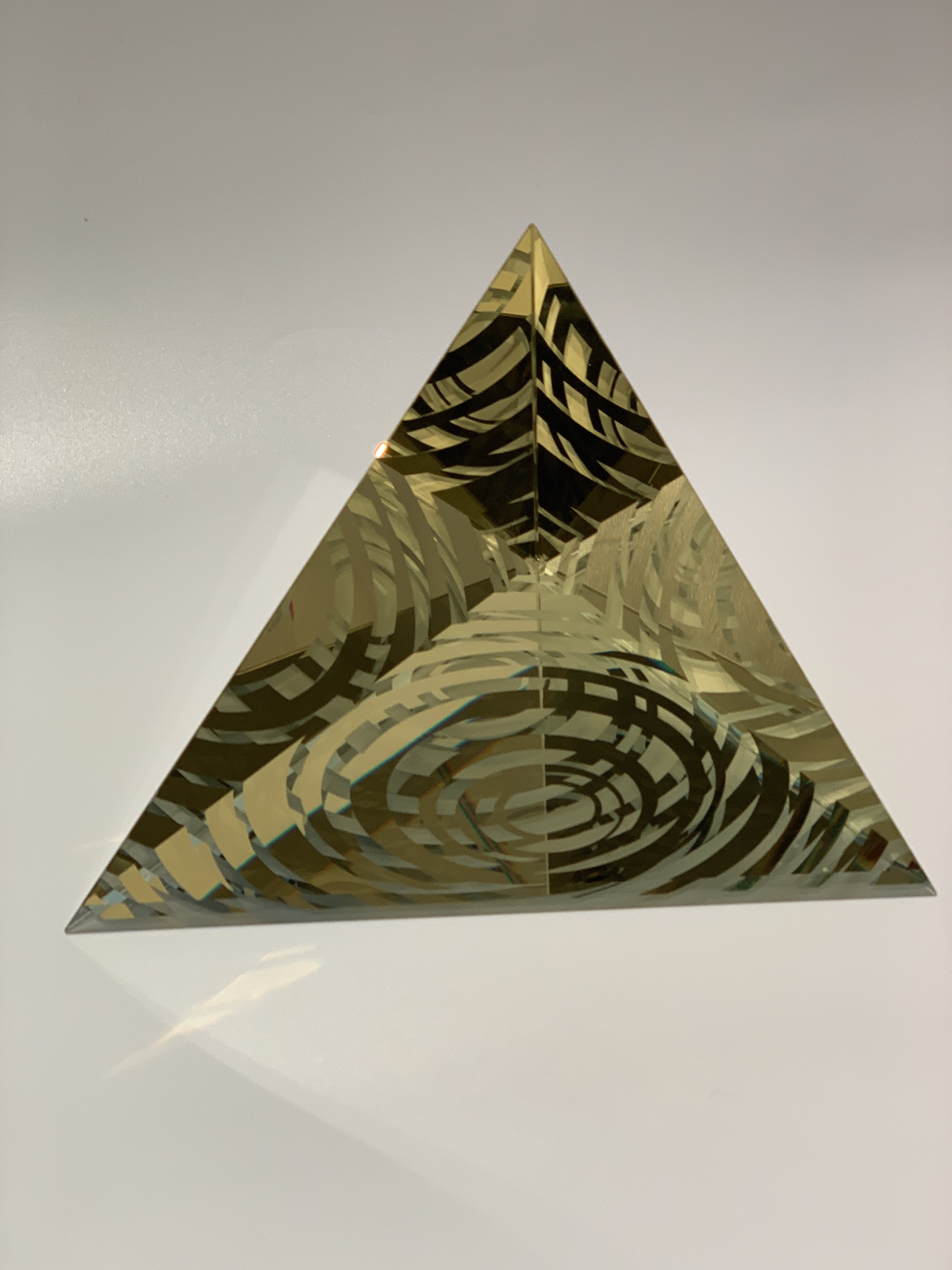 Univesre Pyramid 1
