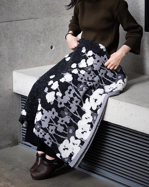 Pile Flower Blanket
