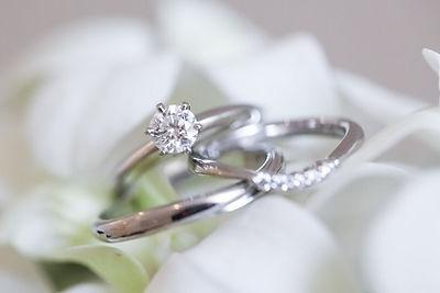 オーダーメイドジュエリーで婚約指輪を作る際の選び方のポイントは?