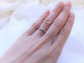 婚約指輪をつけるタイミング