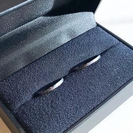 黒いリング 結婚指輪