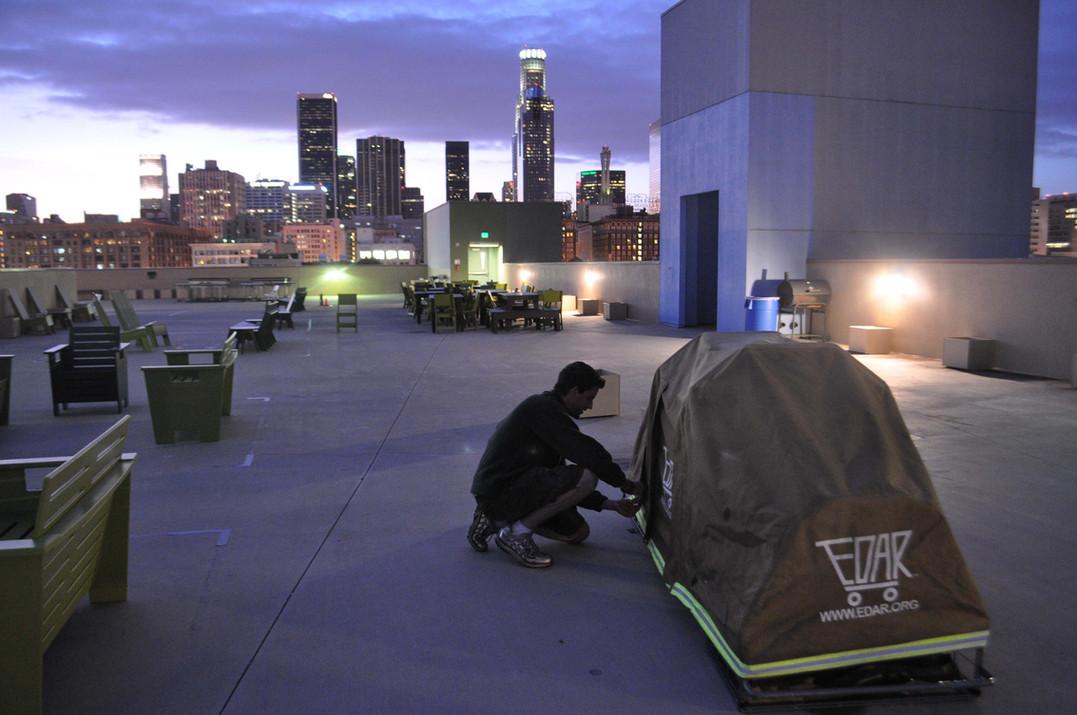 EDAR on roof of URM 04042011.jpg