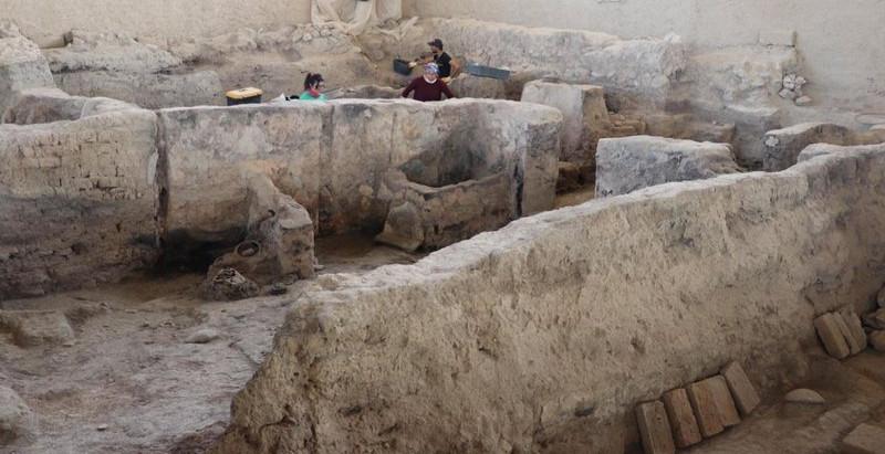 """Pesquisadores encontram evidências de """"fábrica têxtil"""" de 4 mil anos na Turquia"""