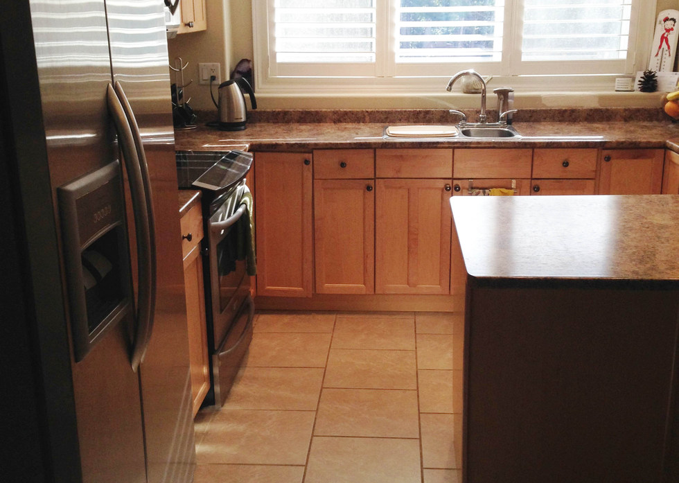 Kitchen - with 5 stainless steel appliances